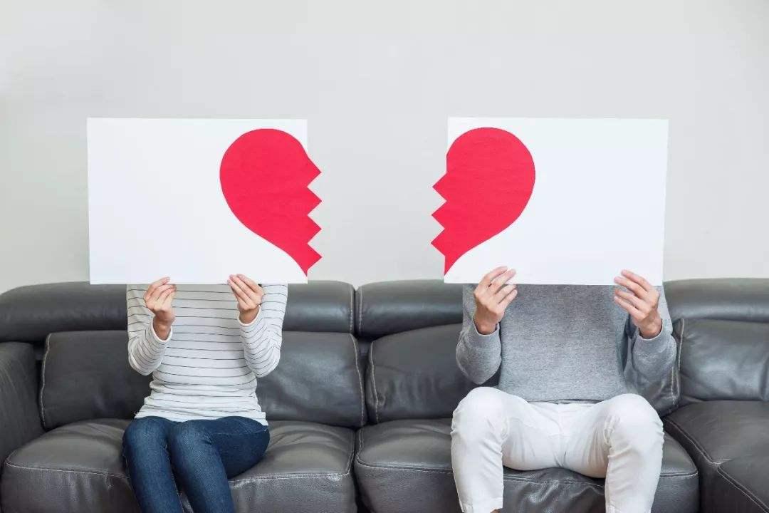 离婚诉讼中,谁有权提出损害赔偿,赔偿内容是哪些?